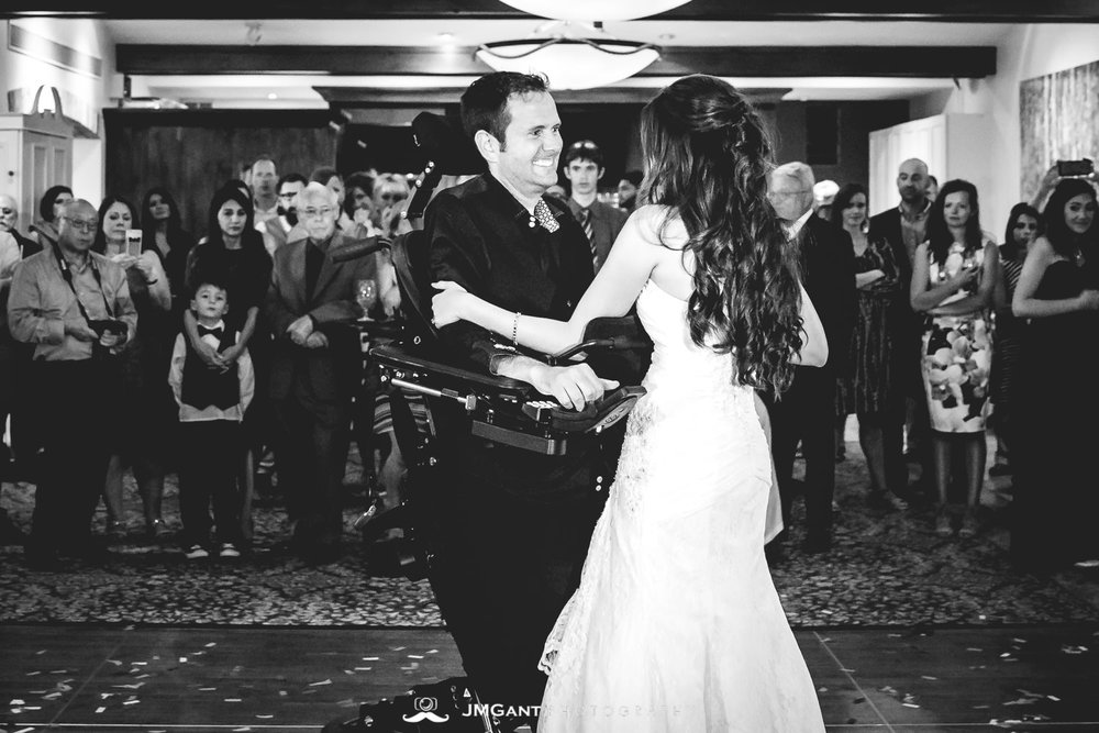 Vail Colorado Wedding | Father daughter dance | Colorado wedding photographer | © JMGant Photography | http://www.jmgantphotography.com/
