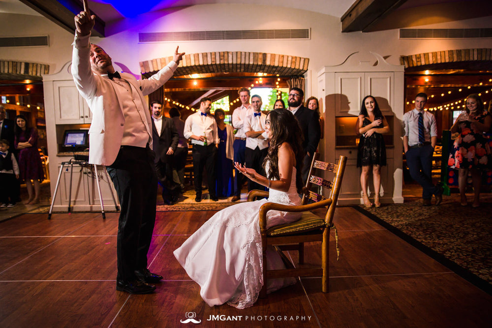 Vail Colorado Wedding | Garter toss | Colorado wedding photographer | © JMGant Photography | http://www.jmgantphotography.com/