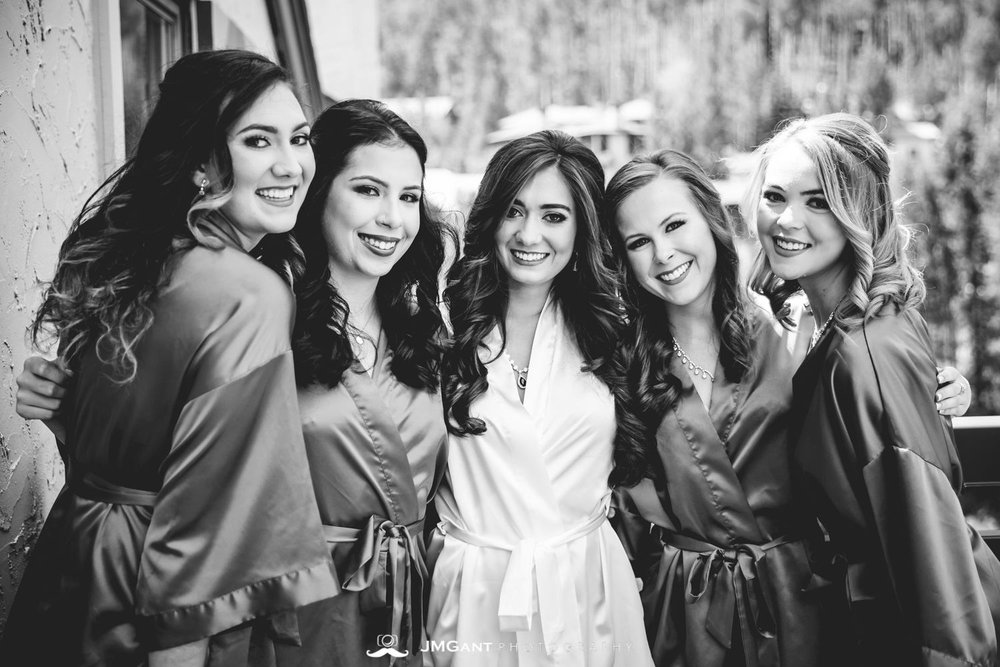 Vail Colorado Wedding | Bridesmaids | Colorado wedding photographer | © JMGant Photography | http://www.jmgantphotography.com/