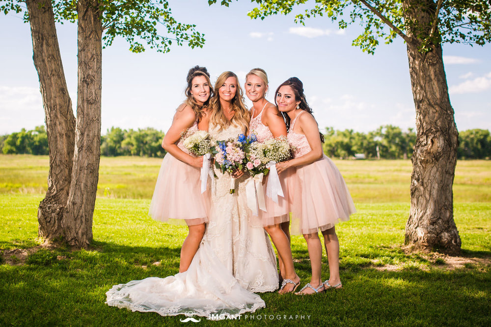 Platte River Fort Wedding | bridesmaids | Greeley Colorado wedding photographer | © JMGant Photography | http://www.jmgantphotography.com/