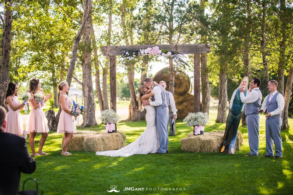 Platte River Fort Wedding | wedding ceremony | Greeley Colorado wedding photographer | © JMGant Photography | http://www.jmgantphotography.com/