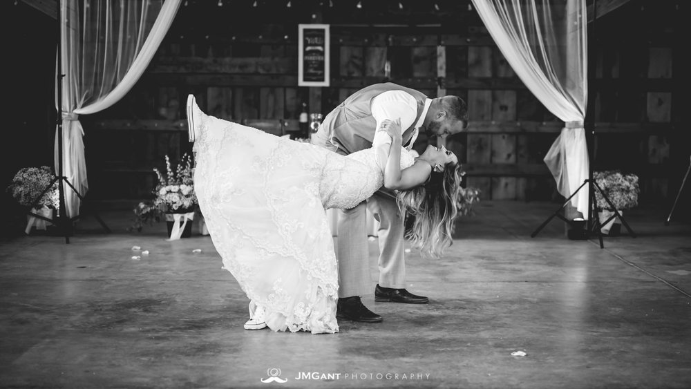 Platte River Fort Wedding | First dances | Greeley Colorado wedding photographer | © JMGant Photography | http://www.jmgantphotography.com/