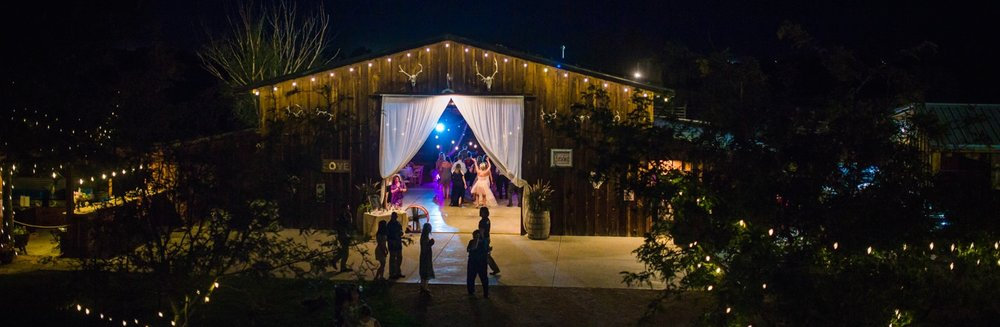 Platte River Fort Wedding | Barn reception | Greeley Colorado wedding photographer | © JMGant Photography | http://www.jmgantphotography.com/