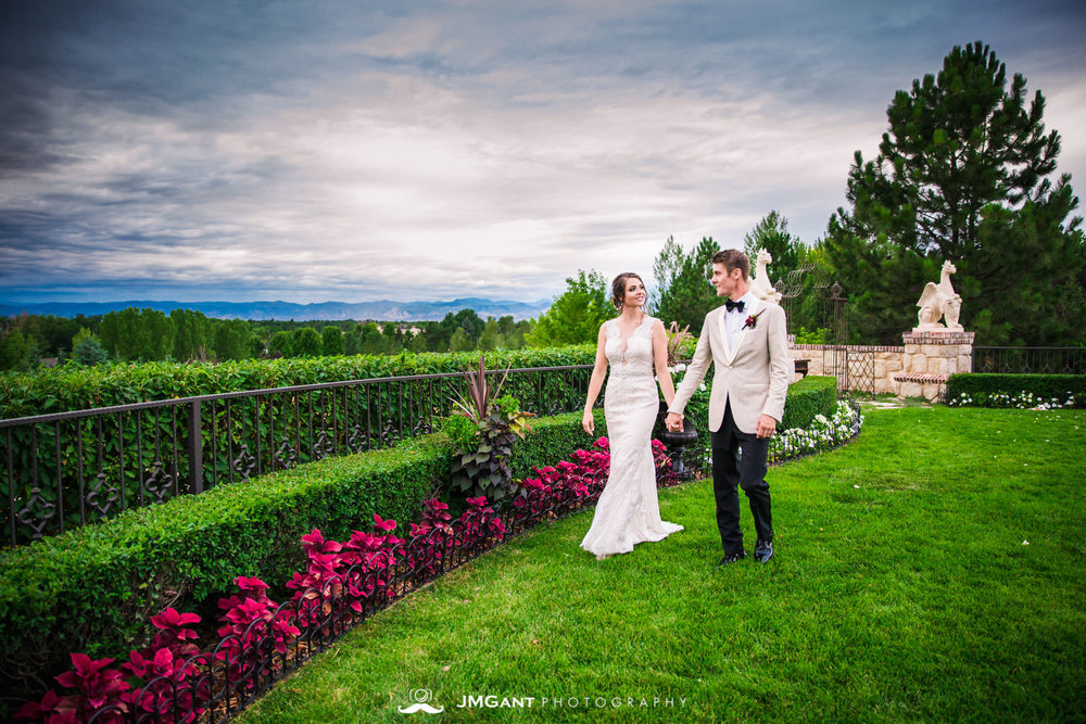 Denver Colorado Wedding | Bride and groom formals at sunset | Colorado wedding photographer | © JMGant Photography | http://www.jmgantphotography.com/