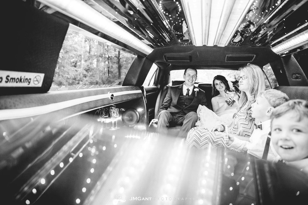 Anthony Chapel Wedding | Limo Ride | Hot Springs Arkansas Wedding photographer | © JMGant Photography | http://www.jmgantphotography.com/