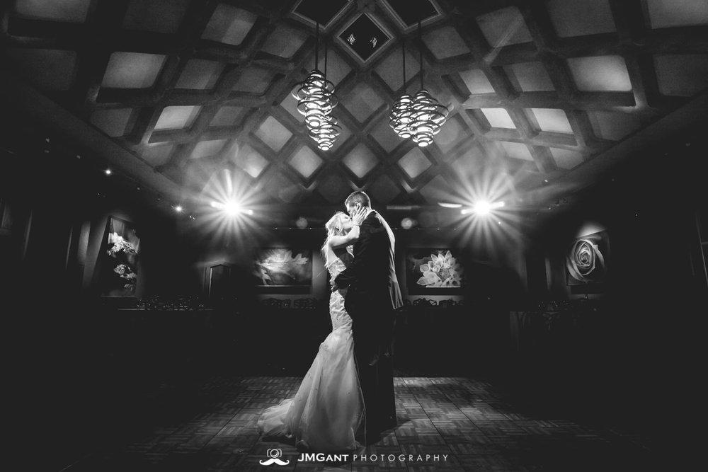 Denver Botanic Gardens Wedding | Denver Colorado wedding photographer | © JMGant Photography | http://www.jmgantphotography.com/