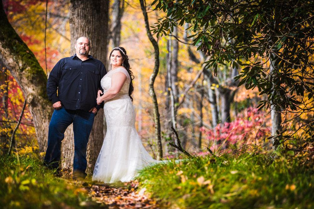 Sampson's Hollow Wedding | Gatlinburg Tennessee wedding photographer | © JMGant Photography | http://www.jmgantphotography.com/
