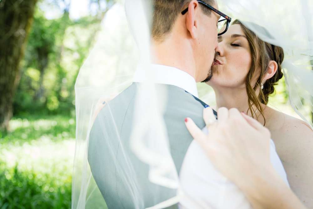 Denver Botanic Gardens Chatfield Farms Wedding by Denver Wedding Photographer JMGant Photography.