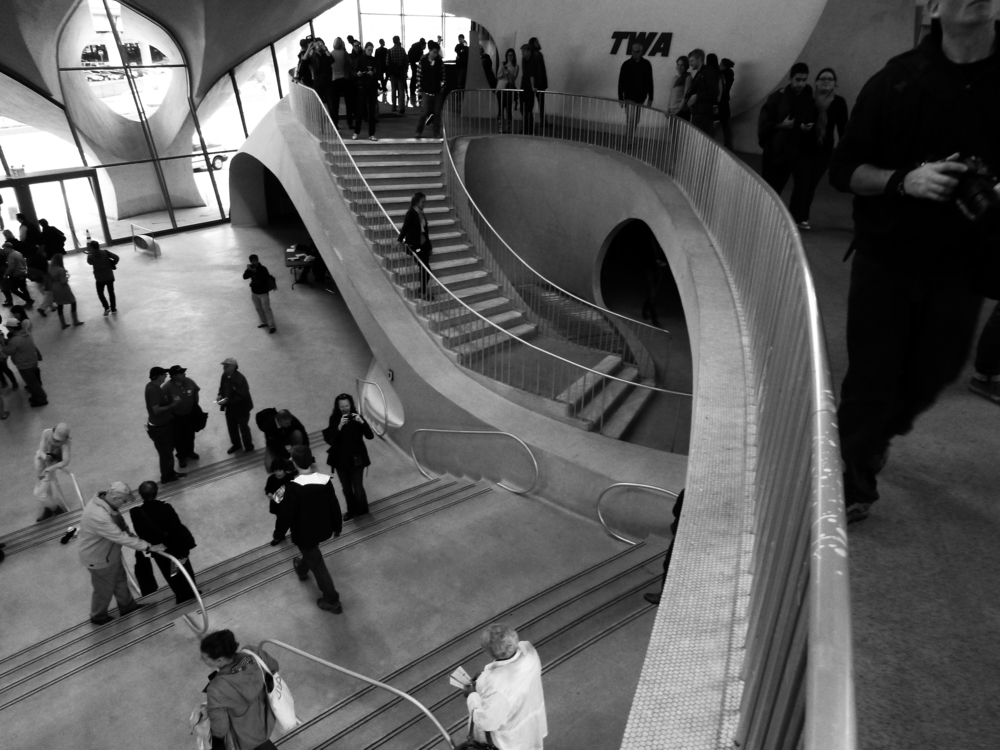 73. Architectural movement_P1090363_bwF600.jpg