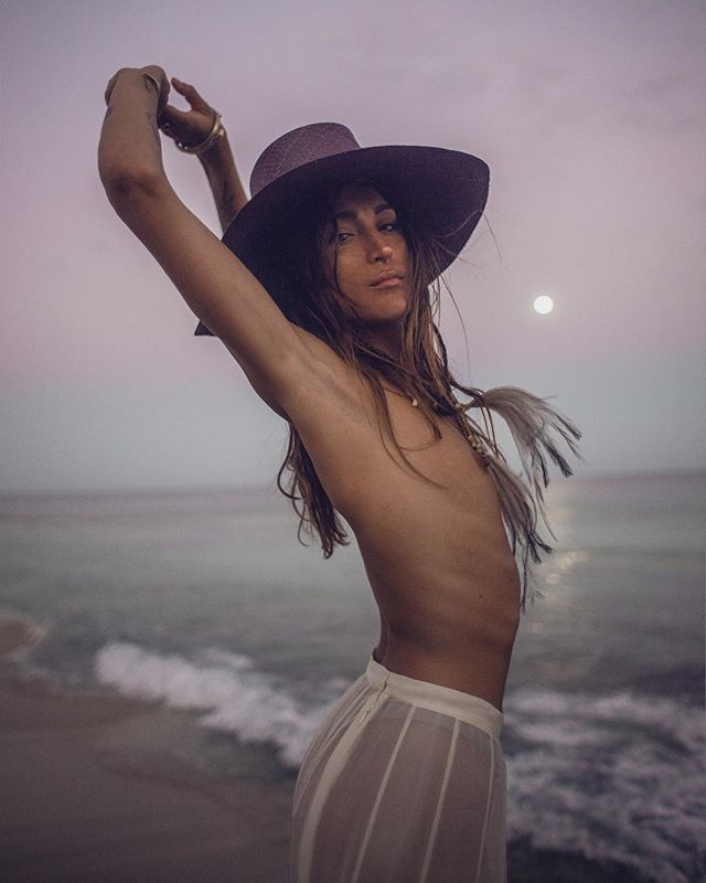 Moonlit Daydreams 🎥 @the.polf model @lchyoco stylist @teriousjustterious 🕯Customized jipi japa hat's handmade in Mexico are now available in store @calotulum by @terioustulum