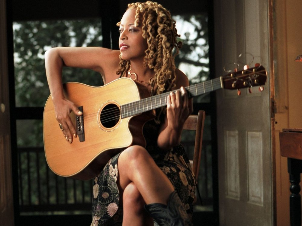 Cassandra Wilson - a slinky, sultry flavour of sweetness ...