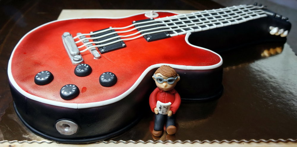 Tuck into some Song Bar 1st Birthday cake ...