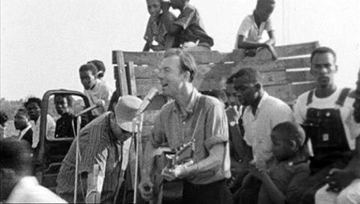 Pete Seeger … guitarist and troubador