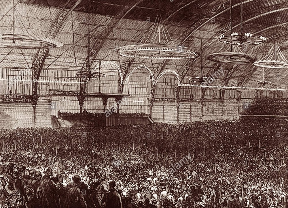 Crowds at the Agricultural Hall in Islington, London, flock to hear the voice of David Sankey at the turn of the 19th-20th century