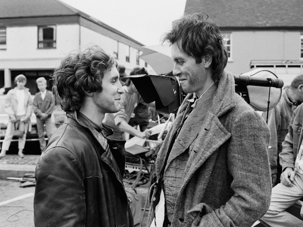 Amusing on-set moment between actors Withnail & I, aka Richard E. Grant, Paul McGann