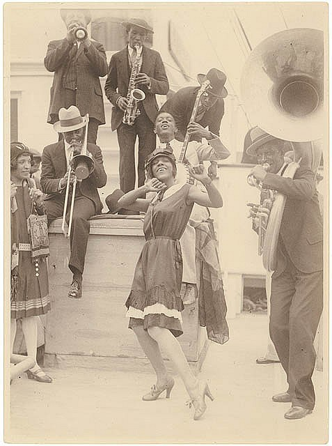 The 'Colored Idea Band' of Sonny Clay arrives in Sydney, 1928 (Sam Hood)