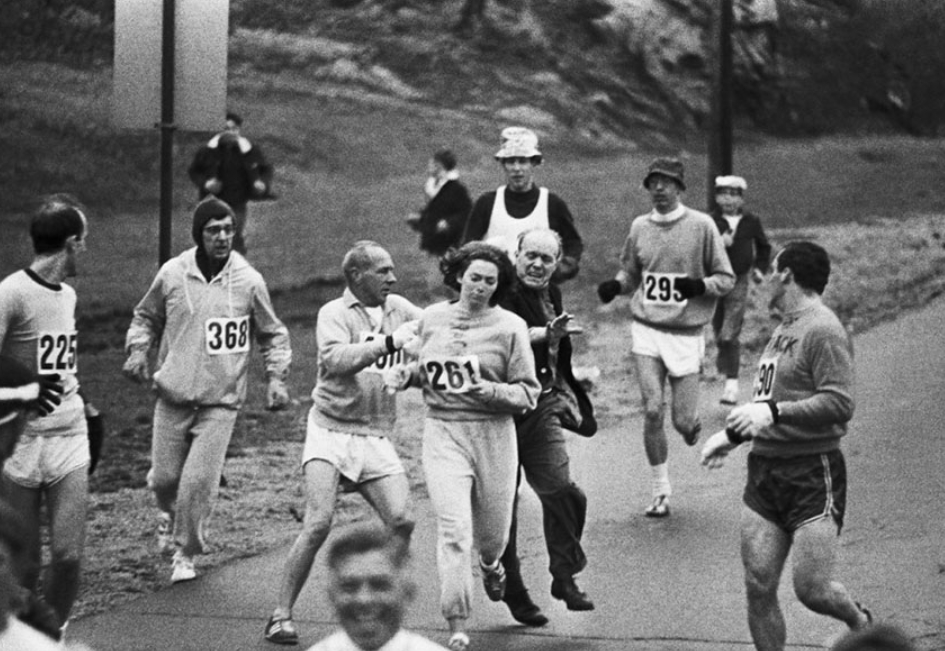 Officials try to stop Kathrine Switzer running the 1967 Boston Marathon