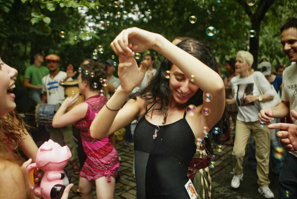 street-dance-bubbles-1.jpg