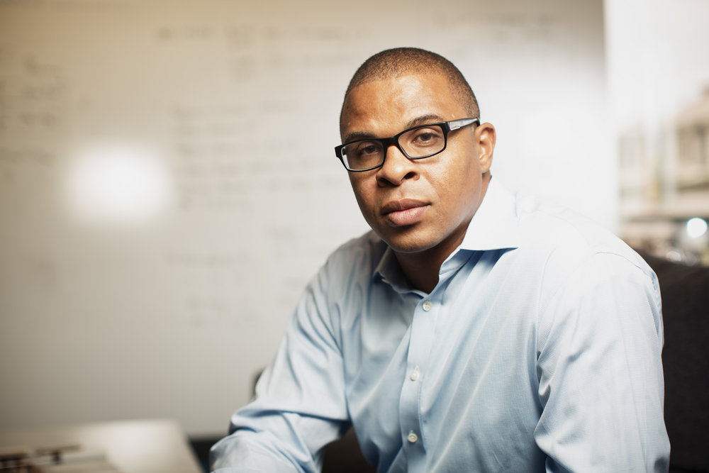roland-fryer-harvard-portrait-1.jpg