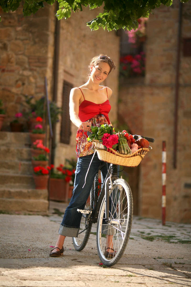 beautiful-girl-travel-bike-europe-1.jpg