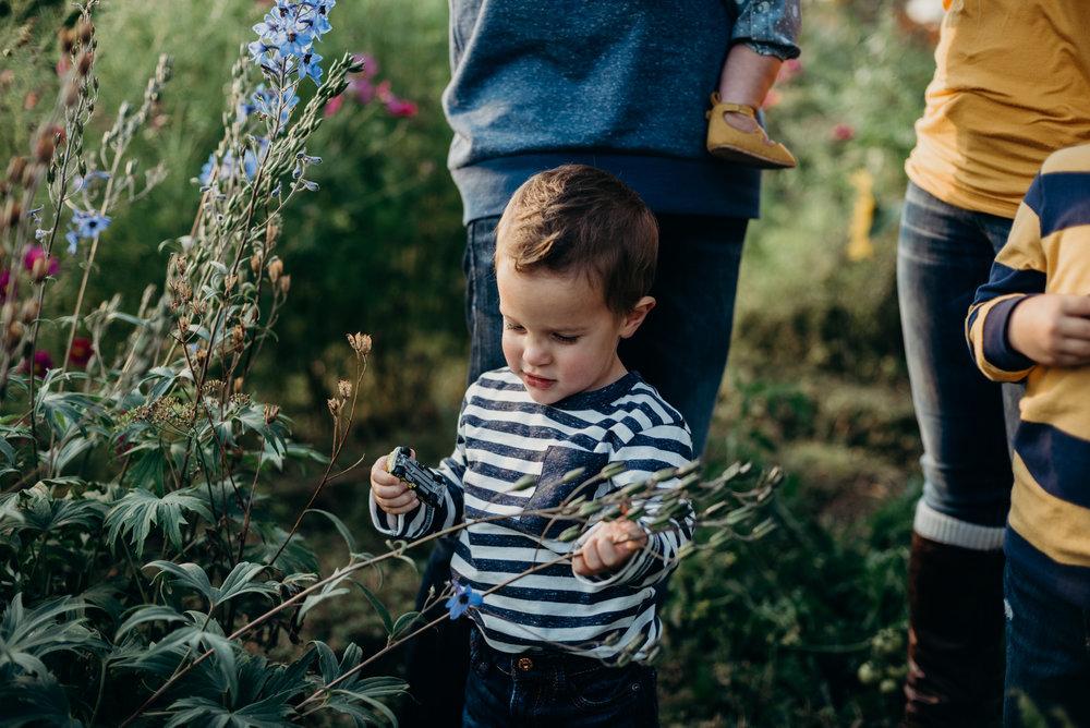 family photographer lifestyle photography saskatchewan