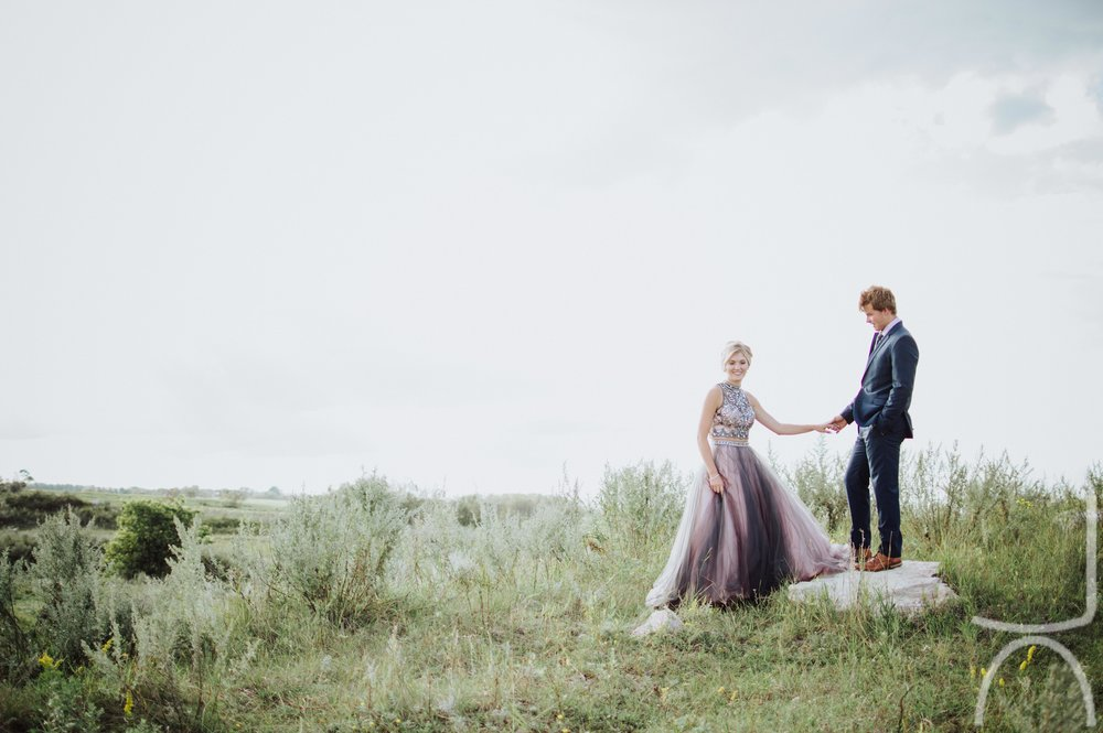 saskatchewan lifestyle graduation wedding photography