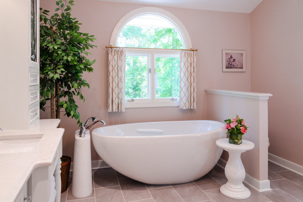 Custom-Kitchens-Wolenberg-Master-Bath-Tub-52214.jpg
