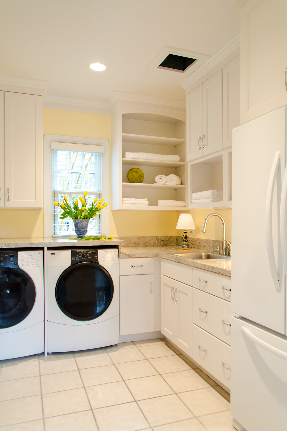 Custom-Kitchens-McGroarty-Laundry-Room-1-31814.jpg