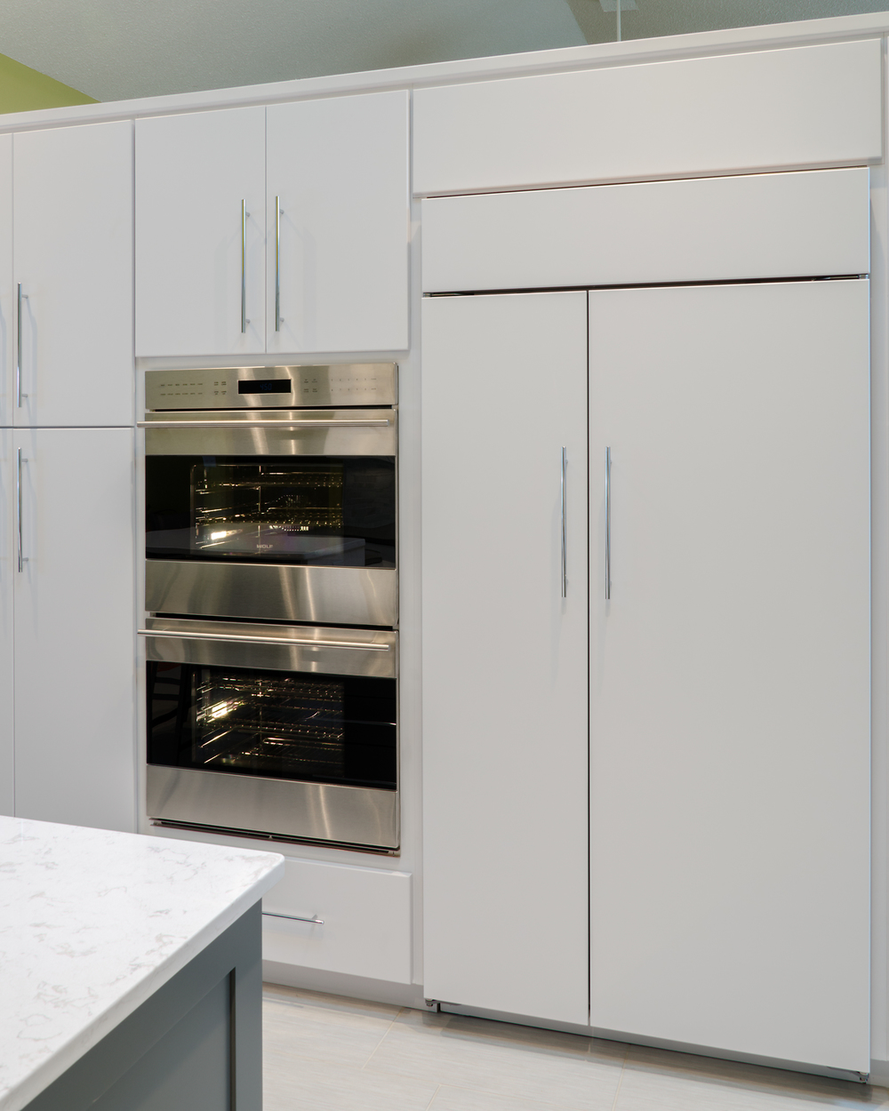 Custom-Kitchens-Paquett-Kitchen-Oven-Fridge-Wall-31814.jpg