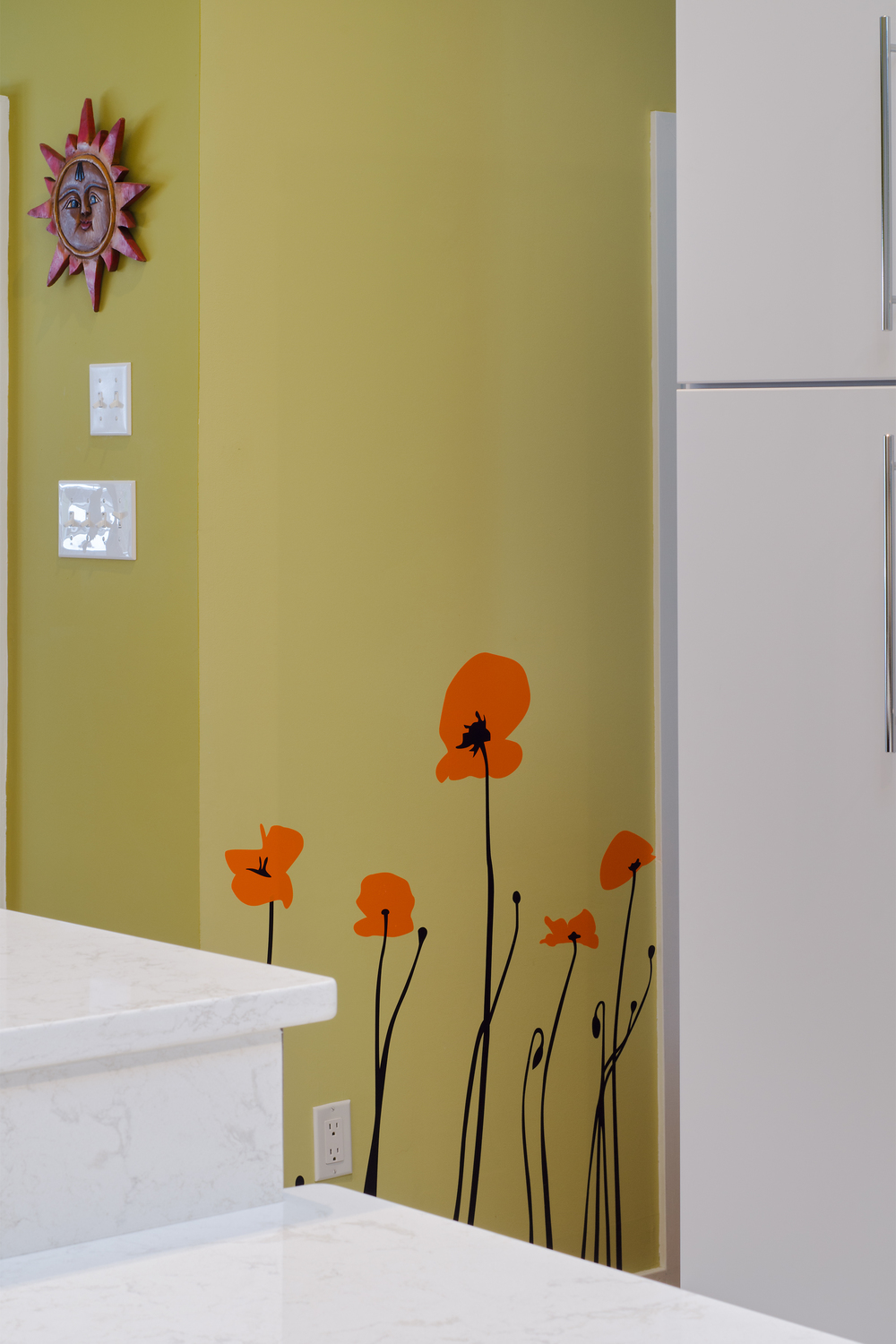 Custom-Kitchens-Paquett-Kitchen-Wall-Flowers-31814.jpg