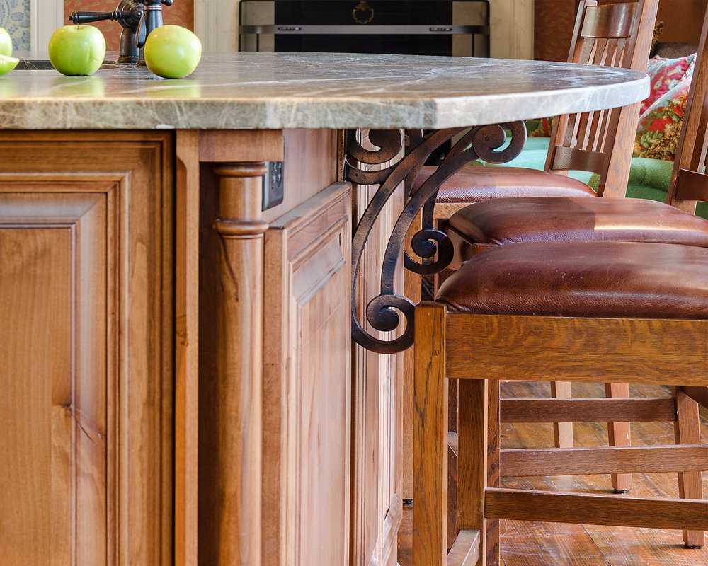 Custom-Kitchens-Wheat-Kitchen-52913-Island-Detail-1.jpg