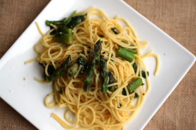 Quick Spring Pasta with Asparagus and Spinach