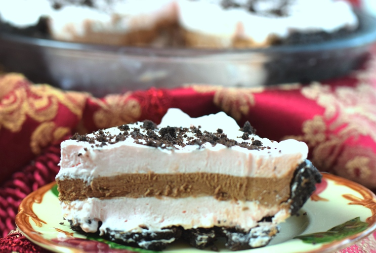 Chocolate Peppermint Christmas Pie