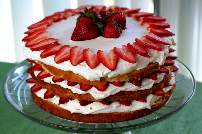 Fresh Strawberry Lemon Cream Cake