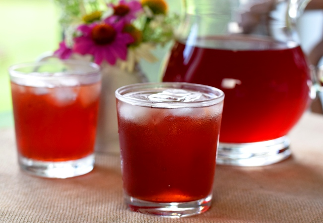 Blueberry-Pomegranate Iced Tea