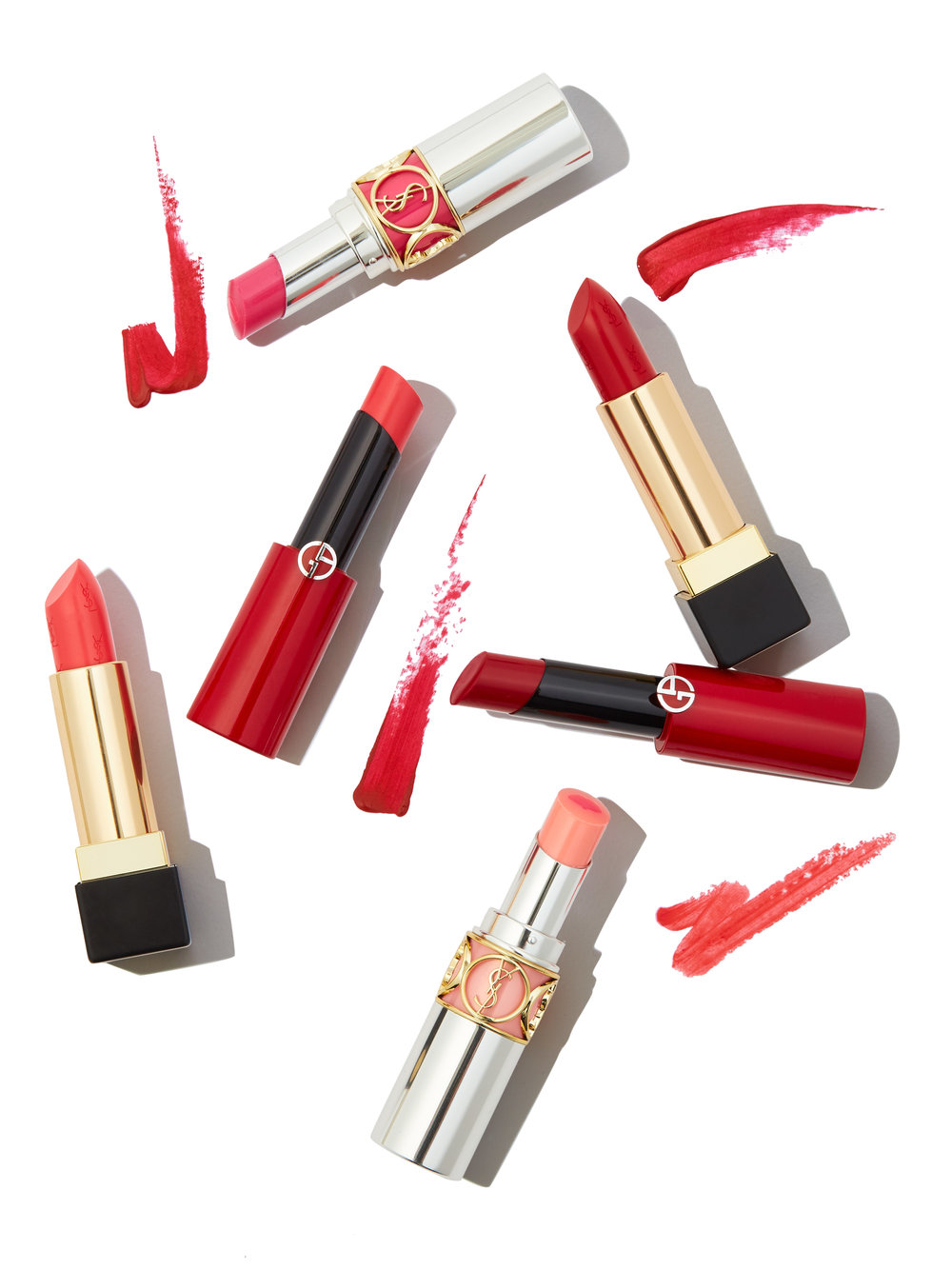 061218_SAKS_S_NATIONALLIPSTICKDAY_GROUPSHOT2.jpg