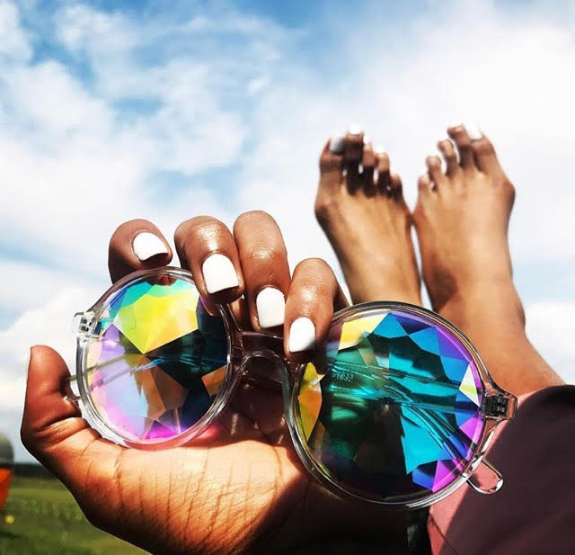 toes sunglasses.jpg