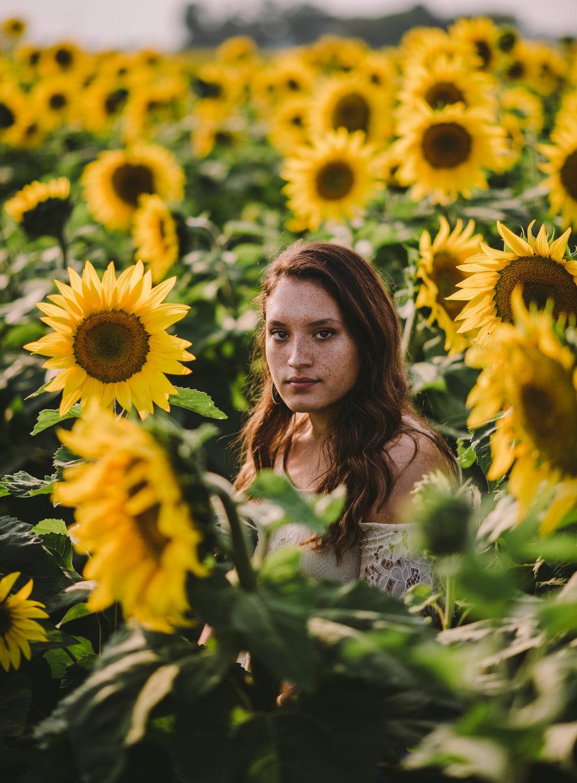 MadisynTimmons_September2017_IndianaSeniorPhotographer_SamanthaRosePhotography_.jpg
