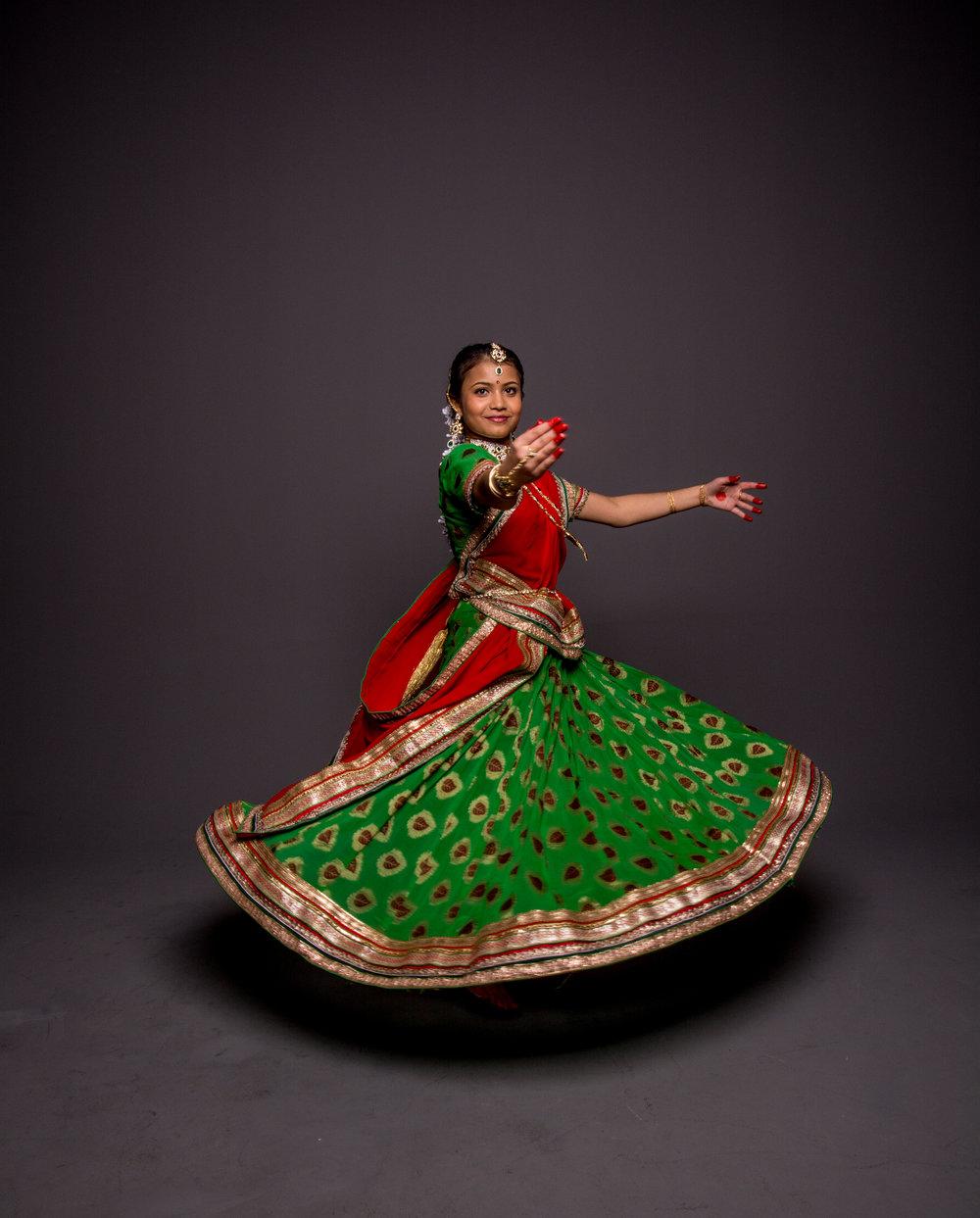 Ritika&RishaMehta_StudioPortraits_MuncieIndiana_March2017_SamanthaRosePhotography_-61.jpg