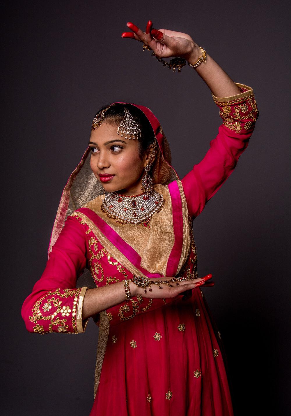 Ritika&RishaMehta_StudioPortraits_MuncieIndiana_March2017_SamanthaRosePhotography_-116.jpg