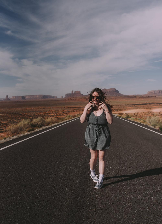 Samantha_MonumentValley_April2018_Senior Photography In Phoenix Arizona_ArizonaSeniorPhotographer_SamanthaRosePhotography_final_-1.jpg
