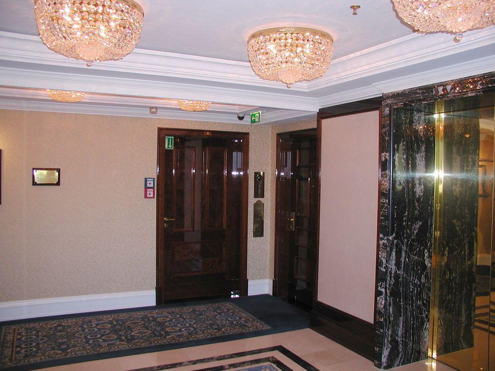 LIGNE ARCHITEKTEN Ritz Carlton Präsidentensuite 2.JPG