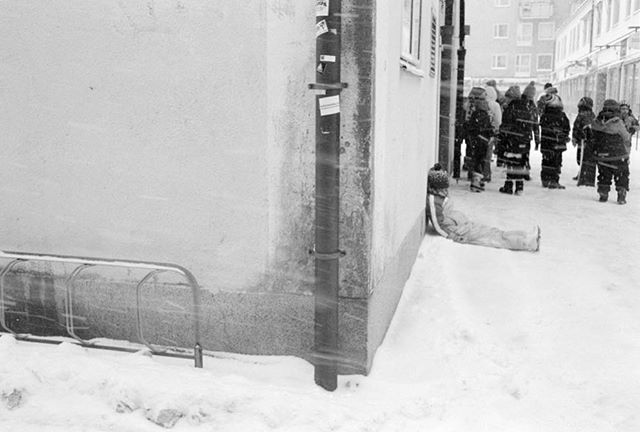 #streetphotography #streettogs #street #streetphoto #streethunters #streetleaks #upsp  #gatufoto #candid #burnmyeye #streetphotography_bw #streetsby @streetsby #ourstreets #buyfilmnotmegapixels #analog #analogphotography #filmphotography #stockholm #kodak #trix #nikonos #nikon #nikonosv #nikonosproject