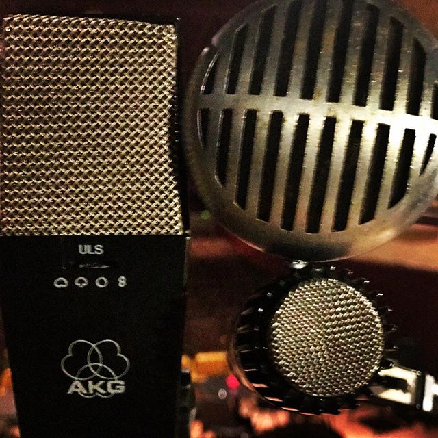 Vocals for the new @therealcoltononeill album. Some vintage #akg & vintage #shure action going on  #recording #microphone