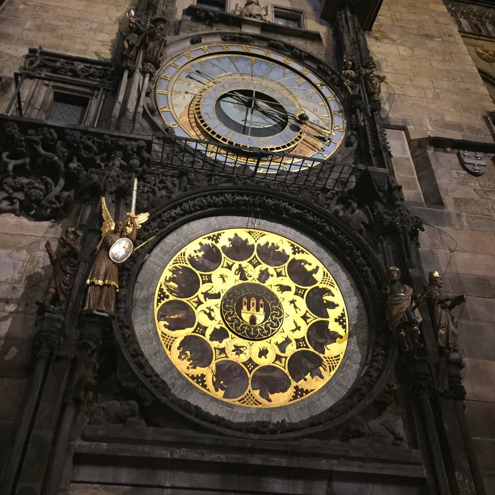 the-remote-experience-astronomical-clock-prague.jpg