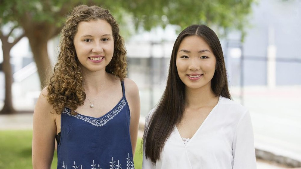 Charlie Rodgers and Lori Zhou both received outstanding IB results. Picture: Scott Cameron