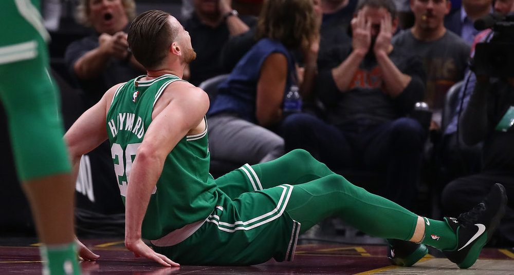 celtics-gordon-hayward-shakes-up-nba-season-with-broken-leg-2017-images.jpg