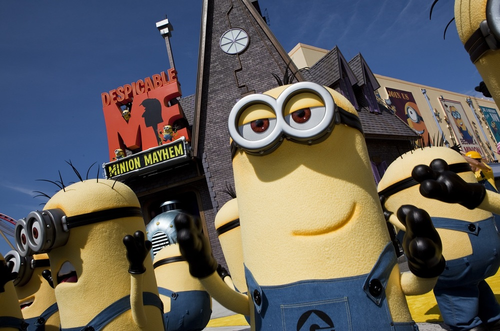 Minions at the Despicable Me Minion Mayhem entrance. Image credit: Universal Orlando Resort