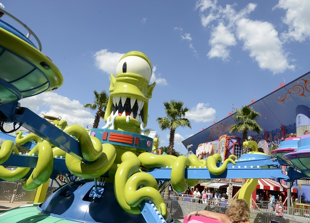 Kang and Kodos' Twirl 'n' Hurl is located in the Springfield section of Universal Studios Florida. Image credit: Universal Orlando Resort.