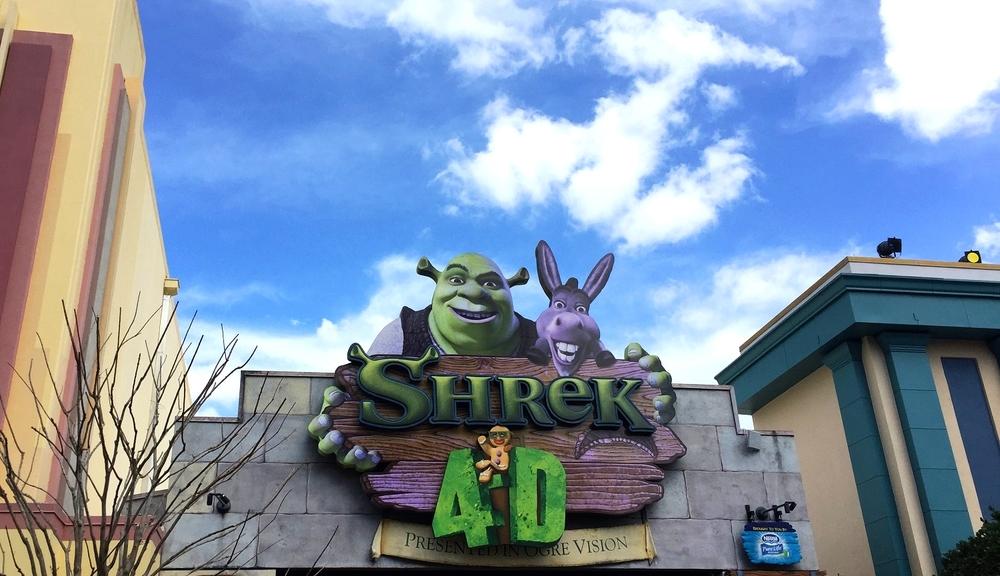 The Shrek 4-D sign marking the ride entrance.